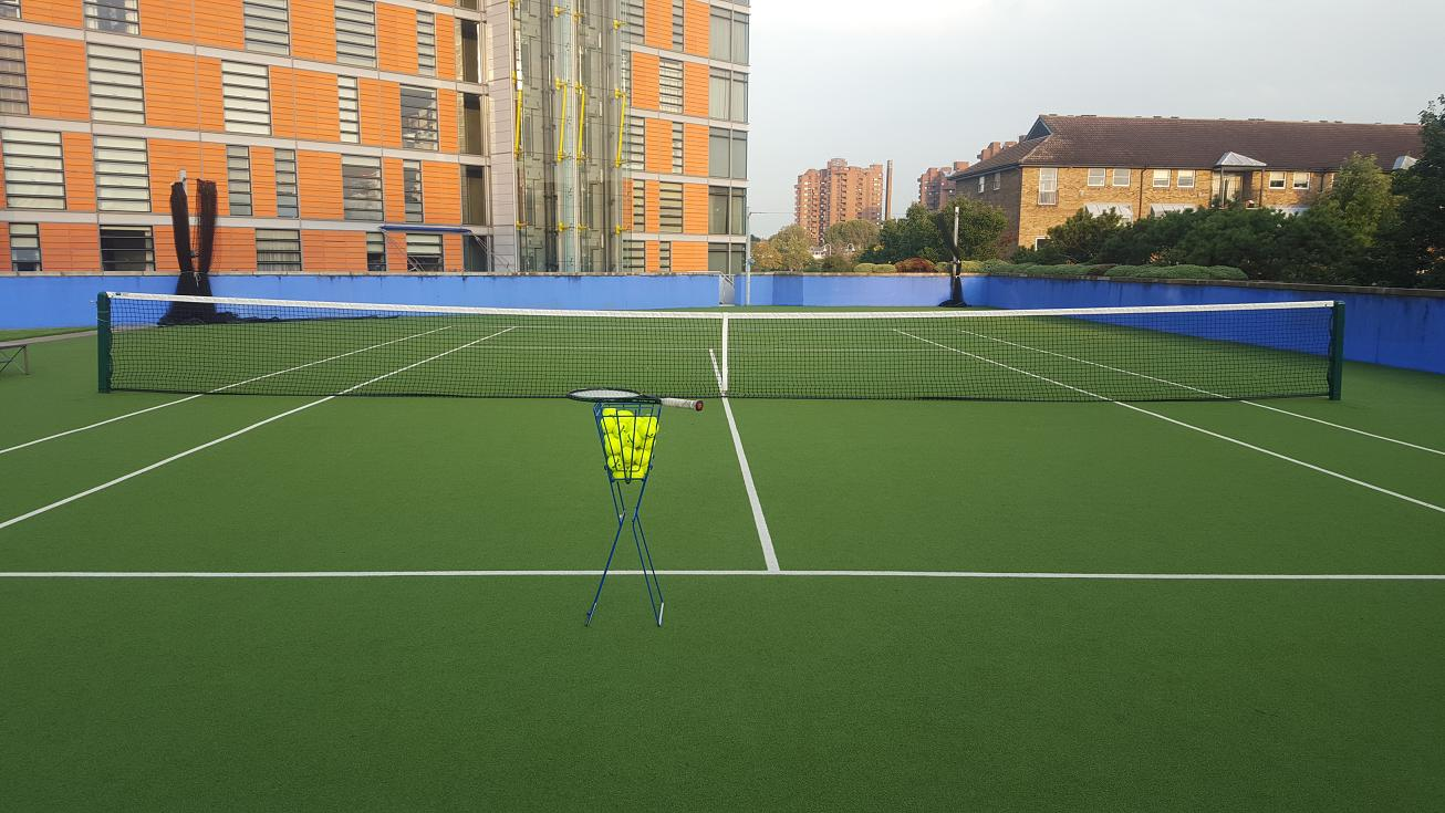 Book your professional private tennis coach in Battersea Park and Chelsea (London).